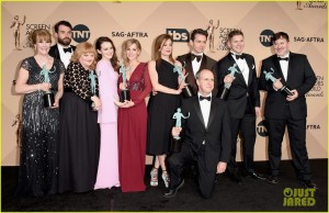 downton-abbey-joanne-froggatt-tom-cullen-sag-awards-2015-14